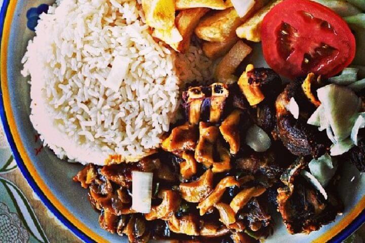 Calco Stoba - Conch Stew - Aruba Recipes - Caribbean Recipes