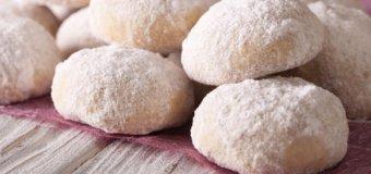 Polvorones (Puerto Rican Shortbread Cookies)